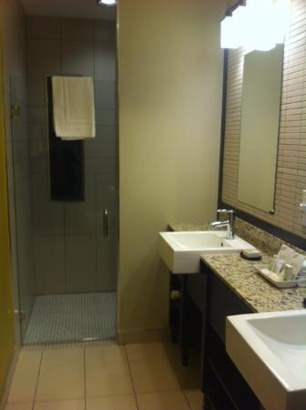 Very Nice Bathrooms In The River Grand Room Picture Of