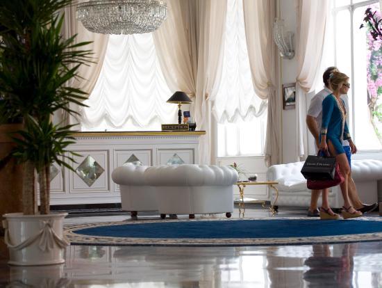 Grand Hotel Quisisana: Lobby View