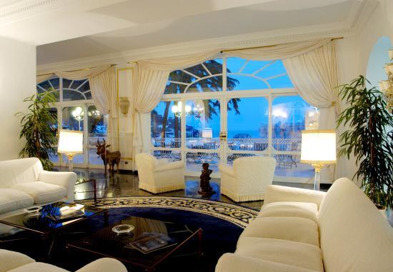 Grand Hotel Quisisana: Hotel Lobby