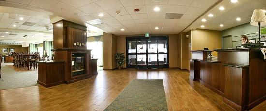 Brentwood, CA: Lobby