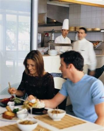 رويال بيتش إيلات: Restaurant