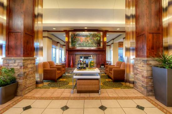 Hilton Garden Inn Great Falls : Lobby