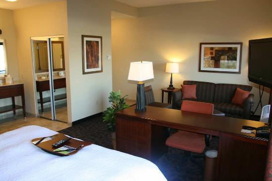 Forest Hill, TX: King Suite