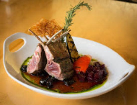 Fiddle River Restaurant : Rack of Lamb