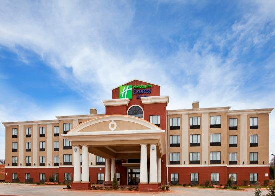 Holiday Inn Express Hotel & Suites Guthrie-North Edmond: Hotel Exterior