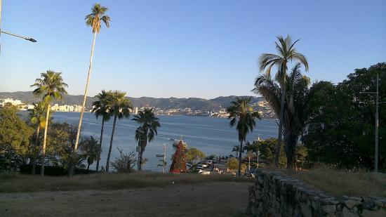 El Fuerte de San Diego: View of the bay