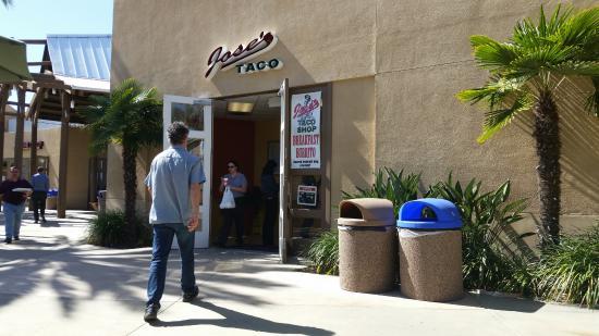 Jose's Taco Shop