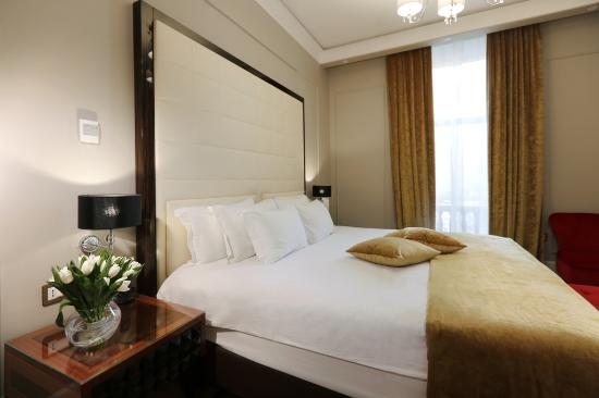 Royal Tulip Grand Hotel Yerevan: Senior Suite after Renovation