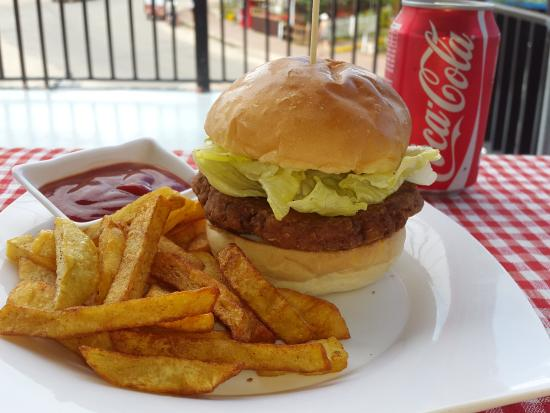 Ernie's Burgers: Chicken Burger with Fries