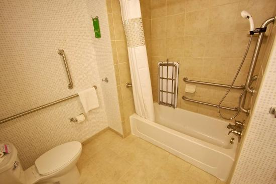 Tunkhannock, Pensilvania: Queen Accessible Bath