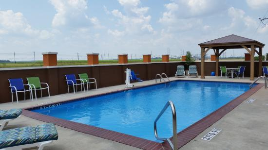Days Inn & Suites Thibodaux: Swimming Pool