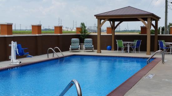 Days Inn & Suites Thibodaux: Salt Water Swimming Pool