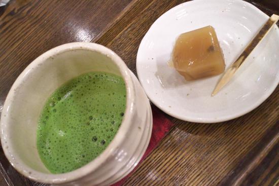 Wafuchadokoroakane: 抹茶(宝相華)と羊かん