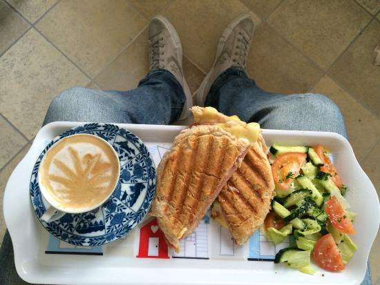 Fresh breakfast at Beach Hut with strong coffee wake you up in a second 😉