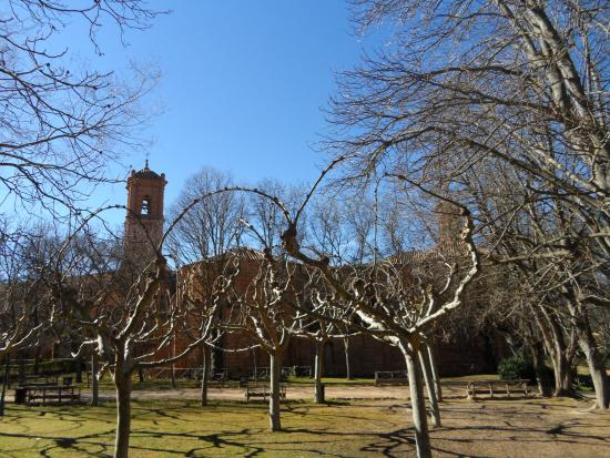Parque natural del monasterio de piedra picture of for Jardin zaragoza