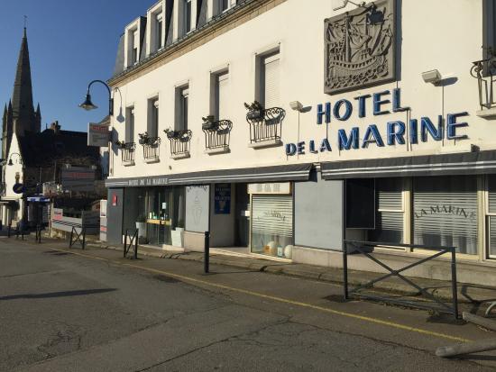 La Marine : Façade de l'hotel