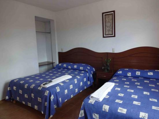 Yanhuitlan, Mexico: Double bed