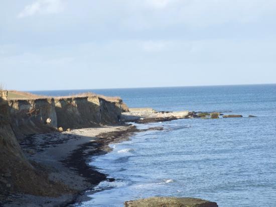 Gedser, Danmark: strand og klinten set fra centret