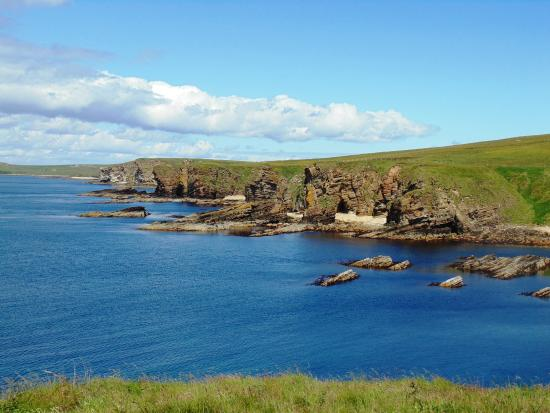 Orknøyene, UK: A beautiful sunny afternoon on a walking tour of the west coast of South Ronaldsay.