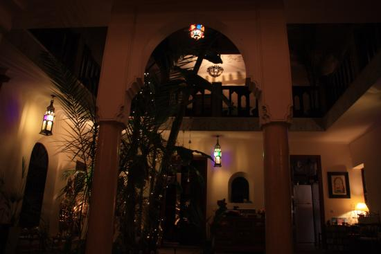 Riad Nomades: patio le soir