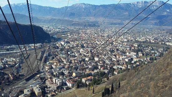 Funivia renon foto di funivia del renon bolzano for Vista sulla valle cabine colline hocking