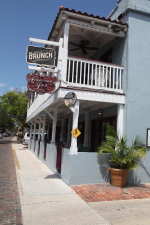 Casablanca Inn on the Bay: Back Entrance