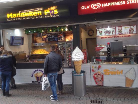 Manneken Pis, Utrecht   Bakkerstraat 1   Restaurant Reviews, Phone Number  u0026 Photos   TripAdvisor