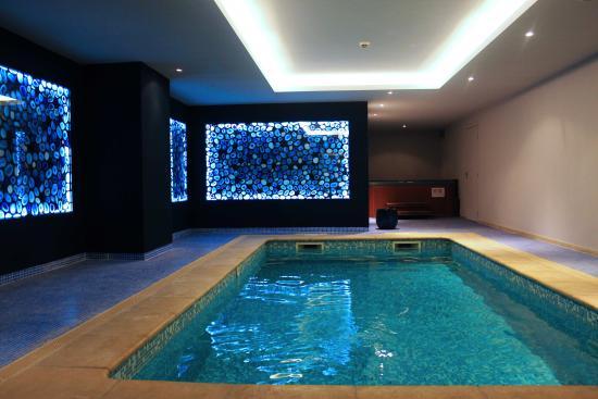BEST WESTERN Soleil et Jardin : Espace Détente piscine chauffée