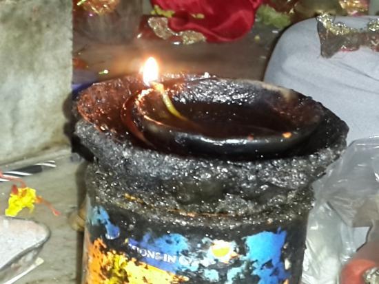 Ranikhet, Ινδία: The eternal lamp!