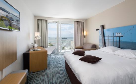Hotel Cordouan : Chambre lit king size vue mer