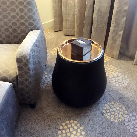 Grand I Hotel: love this end table!