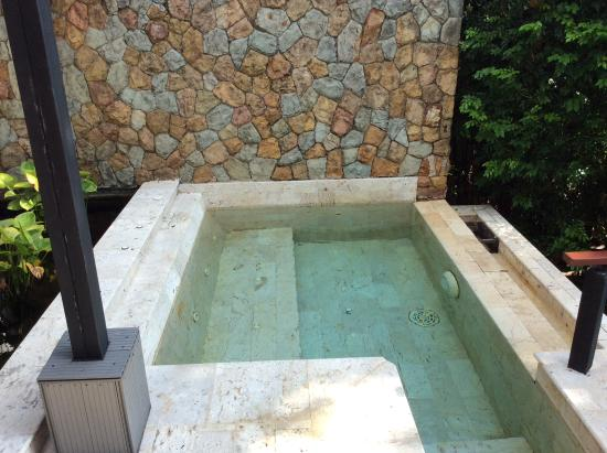 Nakamanda Resort & Spa: jacuzzivilla