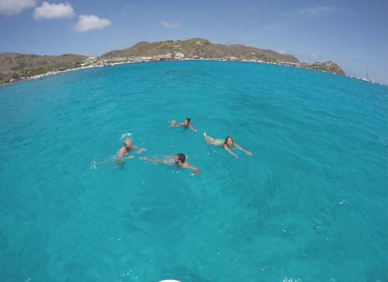 Simpson Bay, St. Maarten-St. Martin: check that water colors!!!