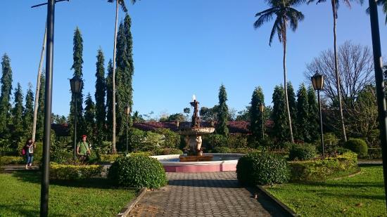 Villa Escudero Resort: DSC_0193_large.jpg