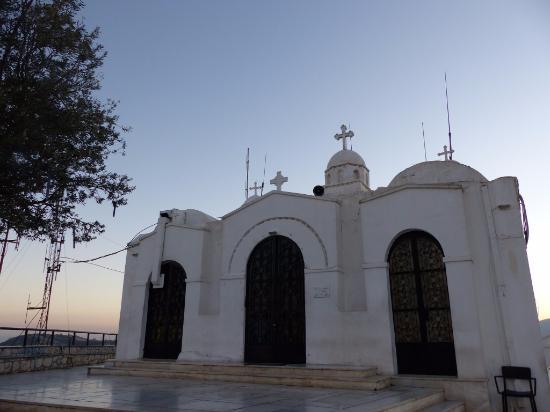 Ξημέρωμα στο εκκλησάκι του Άη Γιώργη στον Λυκαβηττό - Εικόνα του Ναός Αγίου Γεωργίου, Αθήνα - Tripadvisor