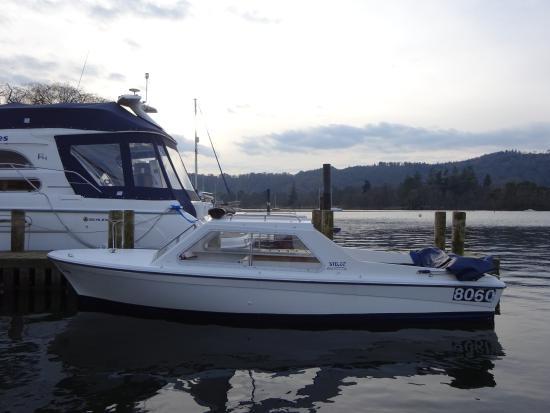 Боунес-он-Уиндермир, UK: Mystic electric day boats