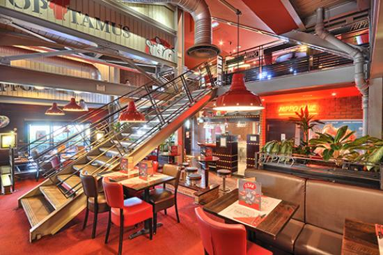 restaurant hippopotamus nantes atlantis dans saint herblain avec cuisine barbecue grillades. Black Bedroom Furniture Sets. Home Design Ideas