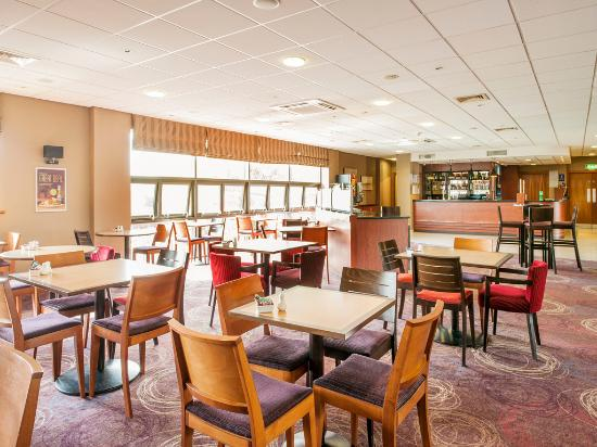 Travelodge Sheffield Meadowhall Hotel: Bar cafe