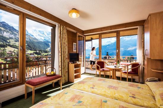 Hotel Jungfraublick Wengen: Südeckzimmer