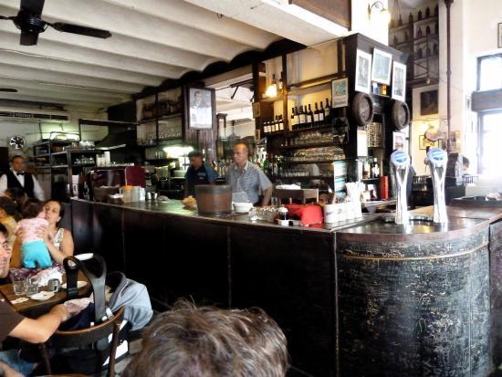 Bar Plaza Dorrego San Telmo: Banco bar
