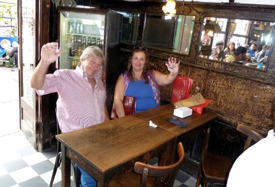 Bar Plaza Dorrego San Telmo: In attesa