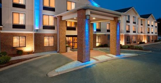 เพลนฟิลด์, คอนเน็กติกัต: Hotel Exterior