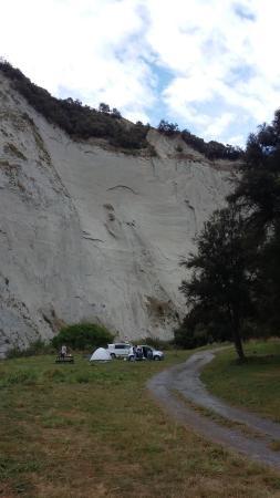Mangaweka, Nouvelle-Zélande : Enormous white cliffs