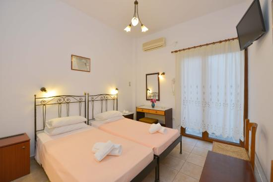 Hotel Artemon Photo