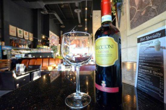 Symposium Cafe Restaurant & Lounge: Tuesday specials-Pasta and wine