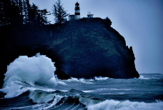 Ilwaco, WA: High Surf at Cape Disappointment lighthouse