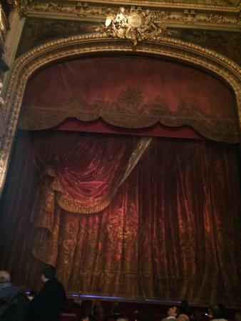 Le rideau de la scène - Photo de Théâtre de la Renaissance, Paris ...