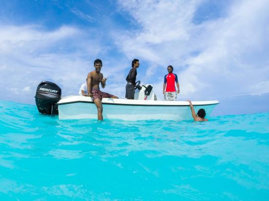 Lhaviyani Atoll: lets go for a swim