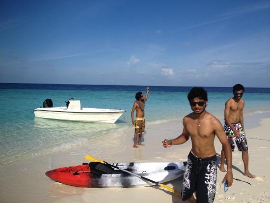 Lhaviyani Atoll: kayaking