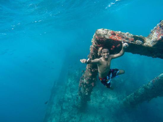Lhaviyani Atoll: shipwreck